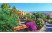 SCA V 026, Casa con giardino con splendida vista panoramica sul mare e sulle montagne