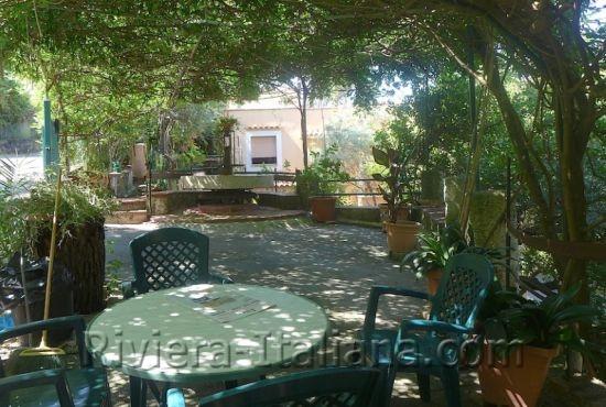PRA V 215, Villa bifamiliare con giardino e vista mare
