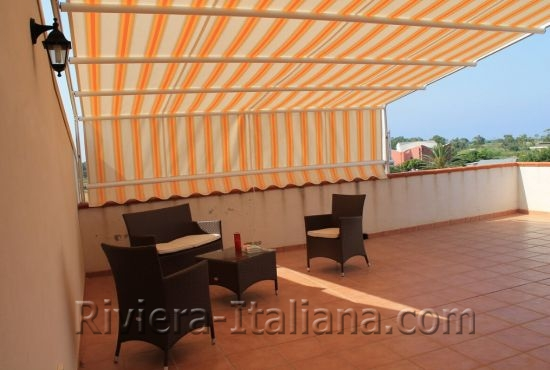 SCA 237, Apartment with roof terrace by the beach