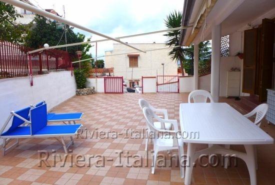SNA 251, Appartamento con giardino nel centro di San Nicola Arcella