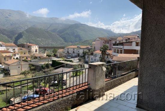 SNA 150, Ampio appartamento con giardino e bella vista panoramica nel centro di San Nicola Arcella
