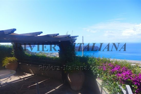PRA V 048, Spacious villa overlooking the sea in Praia a Mare